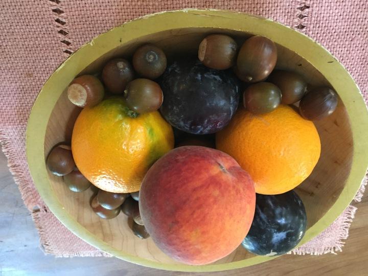 Acorns with fresh fruits