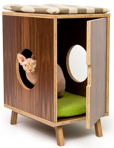 End table by ModernistCat