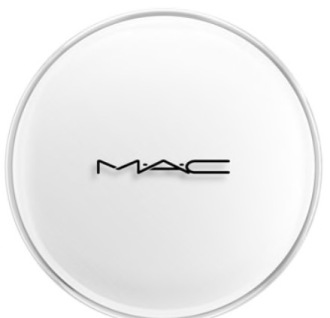 M.A.C Chromacake White